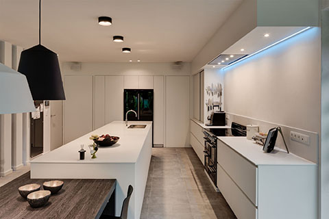 SupremeWhite Diamondstone modern kitchen